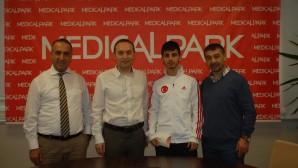 MEDİCALPARK'TAN ŞAMPİYON ERAY'A DESTEK
